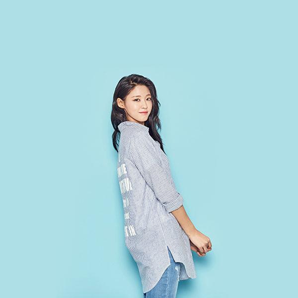 iPapers.co-Apple-iPhone-iPad-Macbook-iMac-wallpaper-hn42-sulhyun-blue-cute-kpop-girl-wallpaper