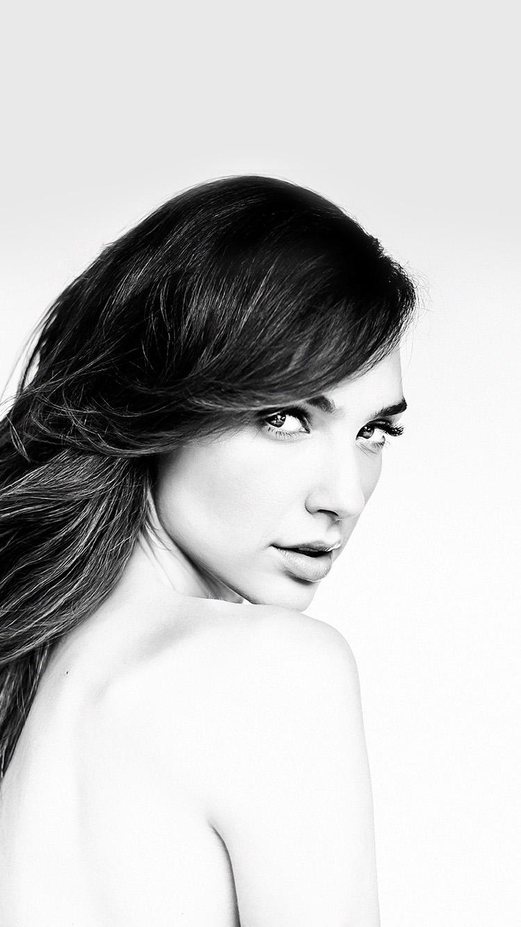iPhone6papers.co-Apple-iPhone-6-iphone6-plus-wallpaper-hn43-gal-gadot-girl-film-bw-hero