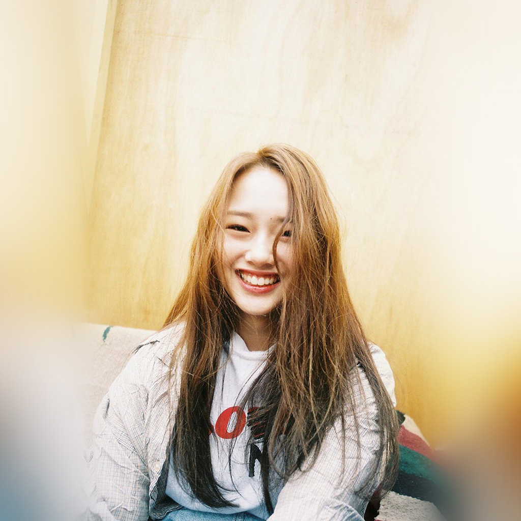 wallpaper-hn44-kpop-girl-cute-kriesha-chu-wallpaper