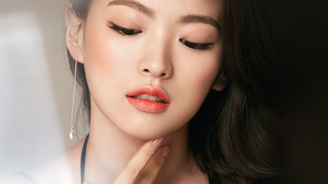 Hn65 Asian Girl Face Dark Dress Wallpaper