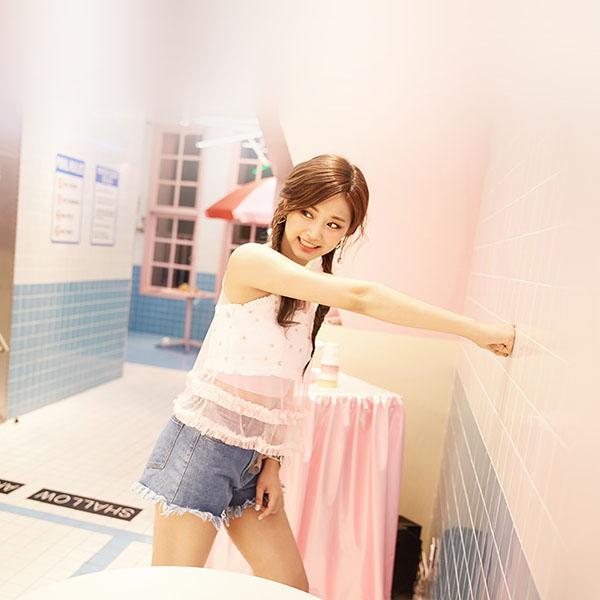 iPapers.co-Apple-iPhone-iPad-Macbook-iMac-wallpaper-hn73-twice-girl-kpop-asian-wallpaper