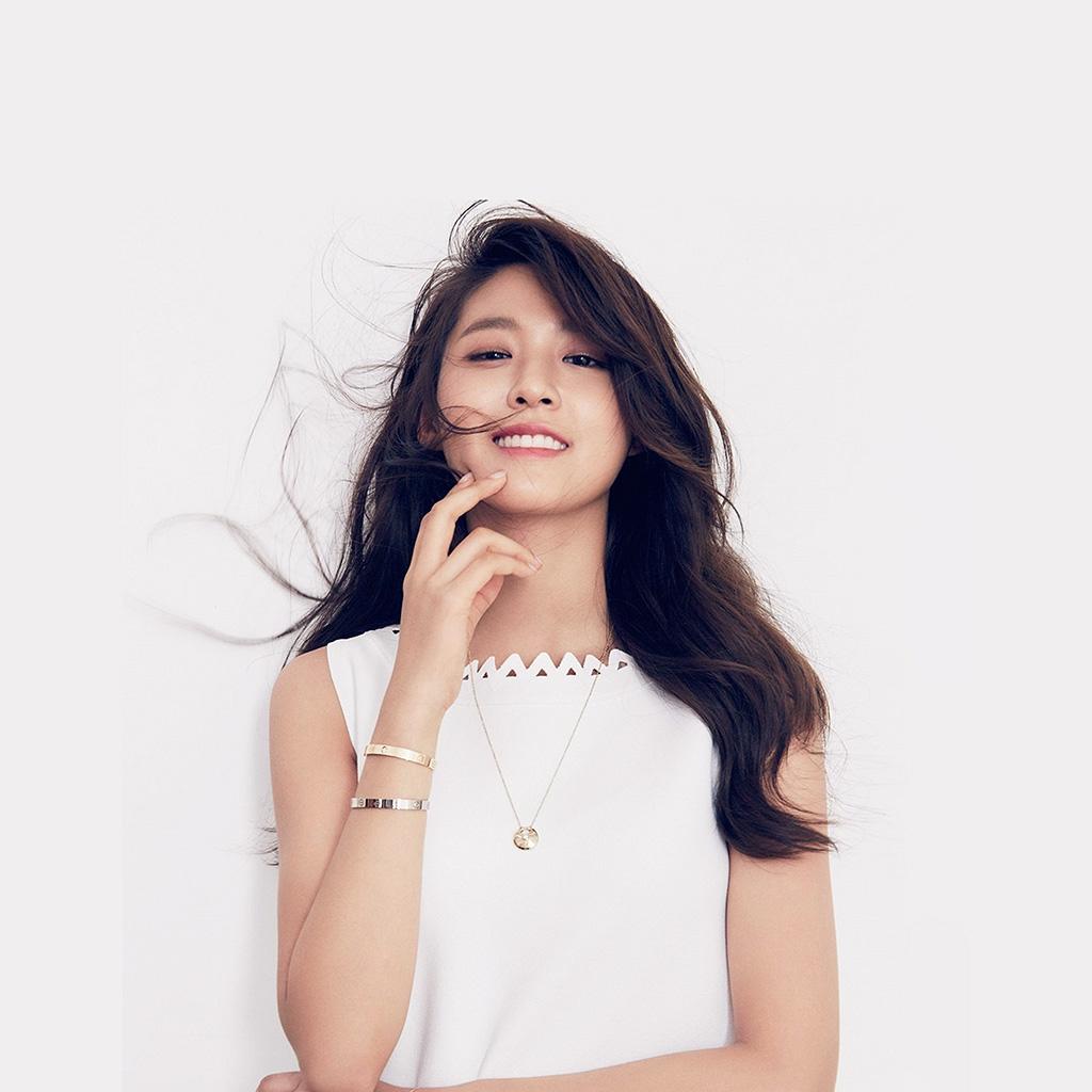 wallpaper-hn91-sulhyun-girl-white-woman-asian-wallpaper