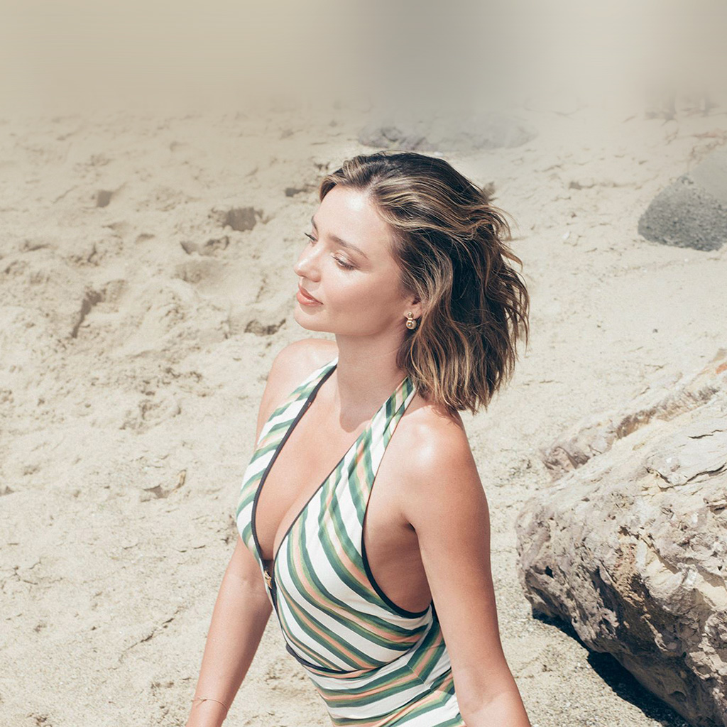 wallpaper-hn93-girl-miranda-kerr-beach-summer-wallpaper