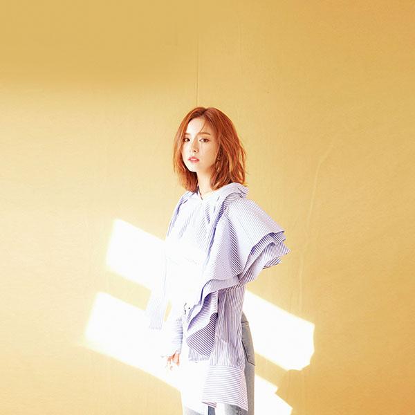 iPapers.co-Apple-iPhone-iPad-Macbook-iMac-wallpaper-ho19-girl-korean-asian-cute-wallpaper