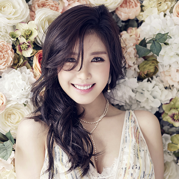 iPapers.co-Apple-iPhone-iPad-Macbook-iMac-wallpaper-ho56-flower-girl-kpop-hyosung-asian-smile-wallpaper