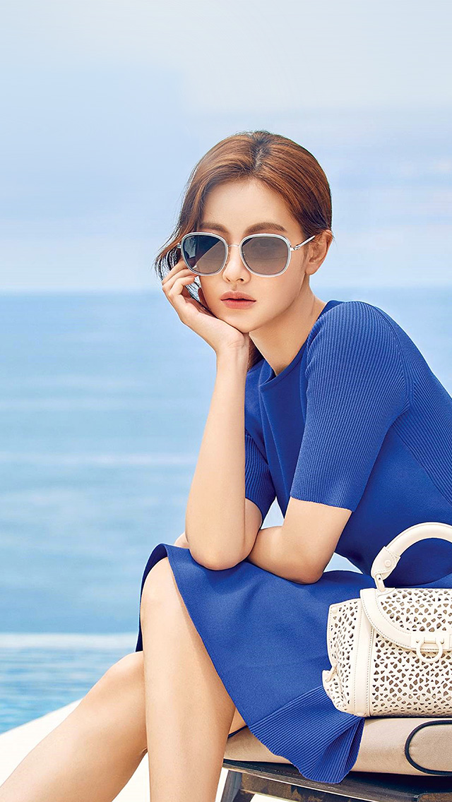 freeios8.com-iphone-4-5-6-plus-ipad-ios8-ho84-girl-summer-blue-dress-sea-kpop