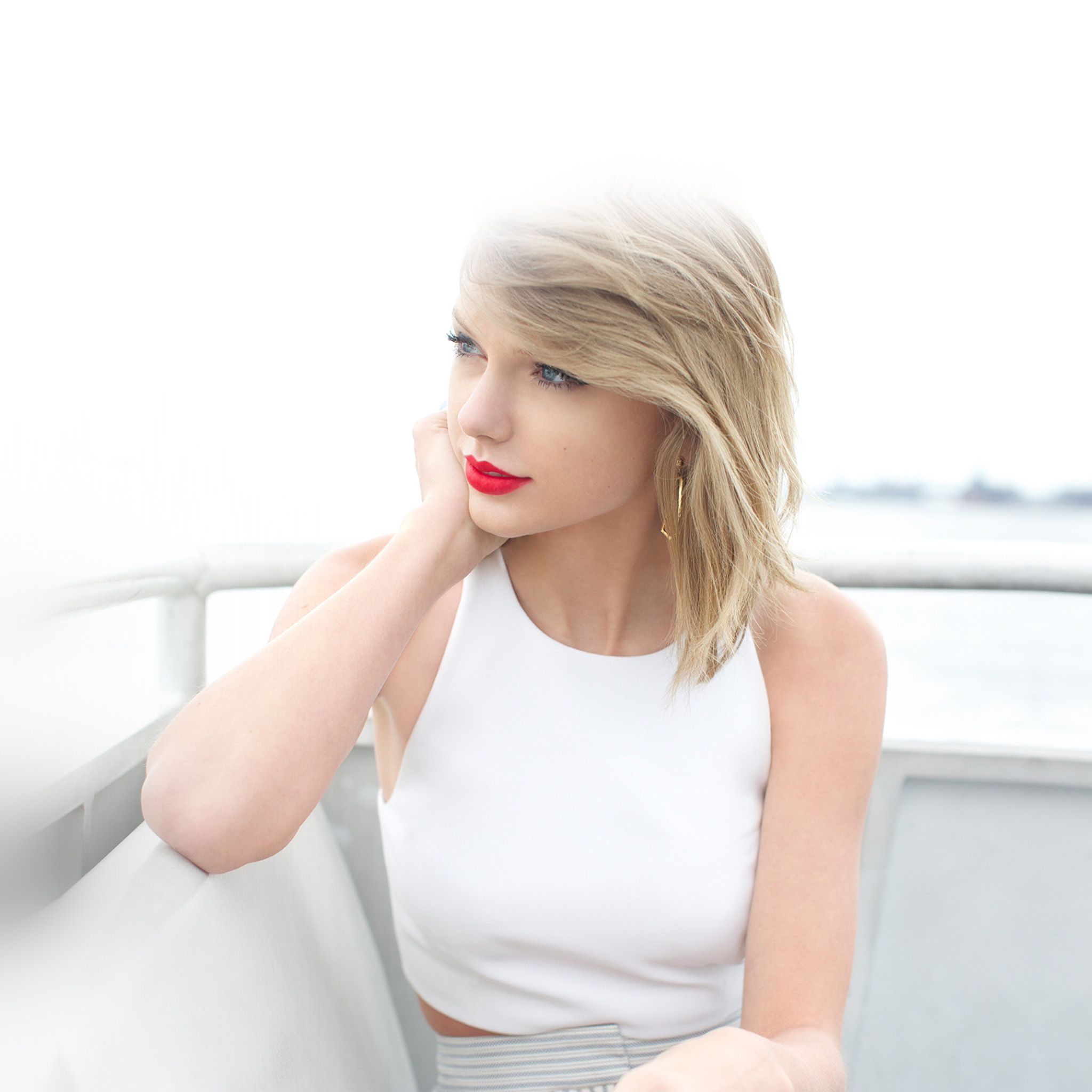 taylor swift essay Can you remember back to pop culture before taylor swift we can't.