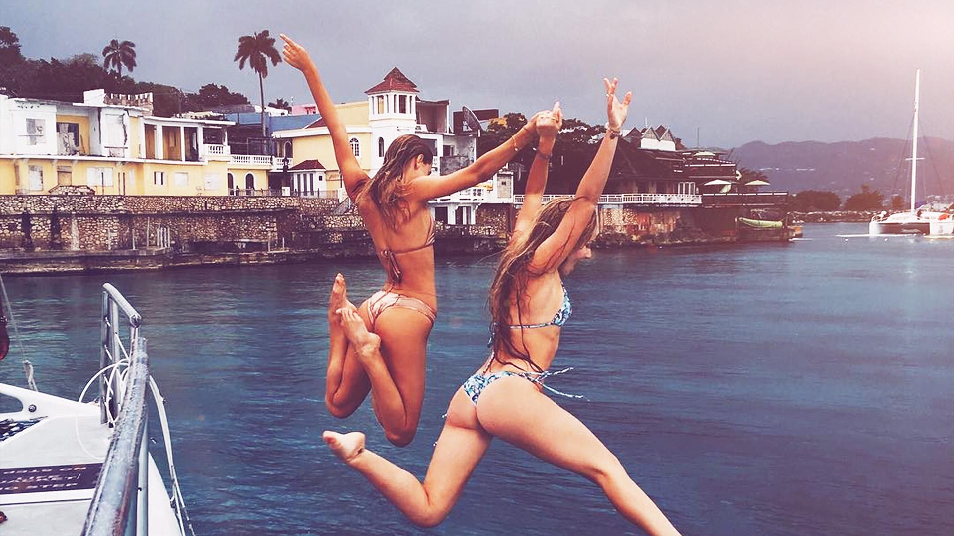 Ho88 Girl Bikini Sexy Dive Summer Water Wallpaper