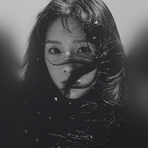iPapers.co-Apple-iPhone-iPad-Macbook-iMac-wallpaper-ho96-kpop-taeyeon-girl-bw-dark-snsd-wallpaper