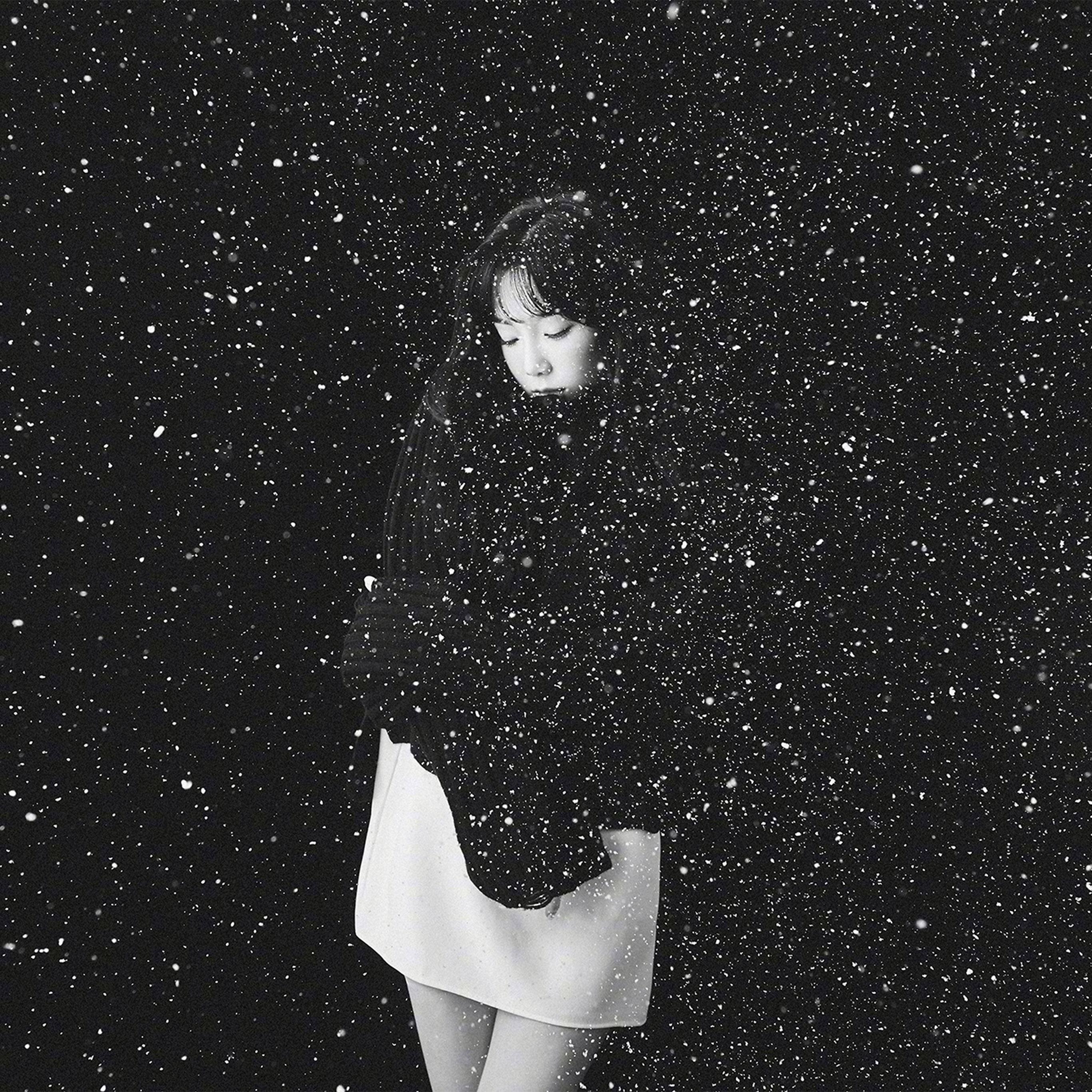 Ho98 Snow Girl Snsd Taeyeon Black Bw Kpop Wallpaper