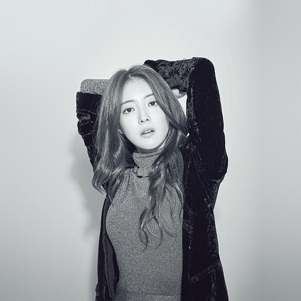 iPapers.co-Apple-iPhone-iPad-Macbook-iMac-wallpaper-hp16-girl-bw-leeseyoung-actress-kpop-korean-wallpaper