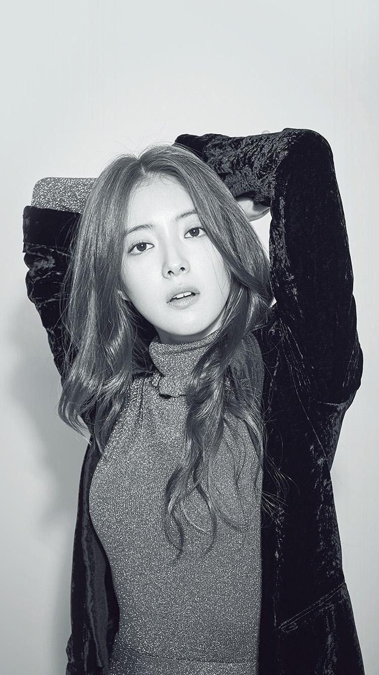 iPhone7papers.com-Apple-iPhone7-iphone7plus-wallpaper-hp16-girl-bw-leeseyoung-actress-kpop-korean