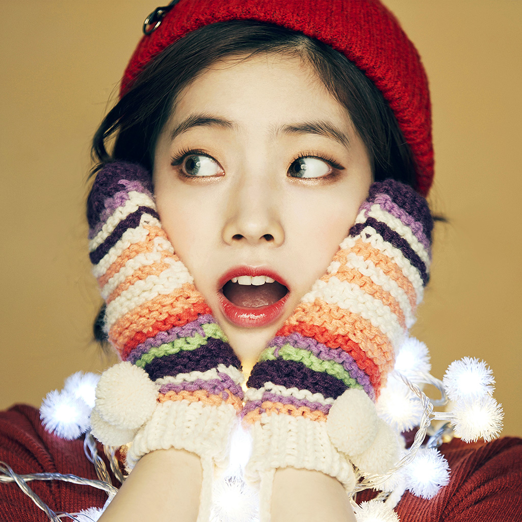 wallpaper-hp21-girl-cute-surprise-kpop-winter-asian-wallpaper