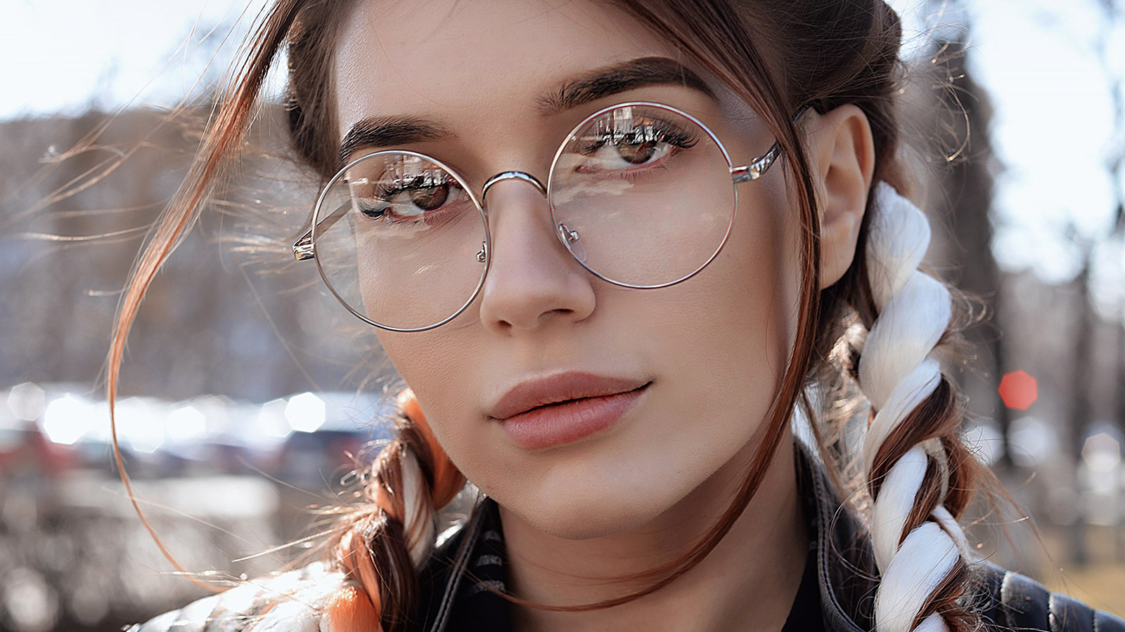 Hp49 Dua Lipa Girl Glasses Wallpaper