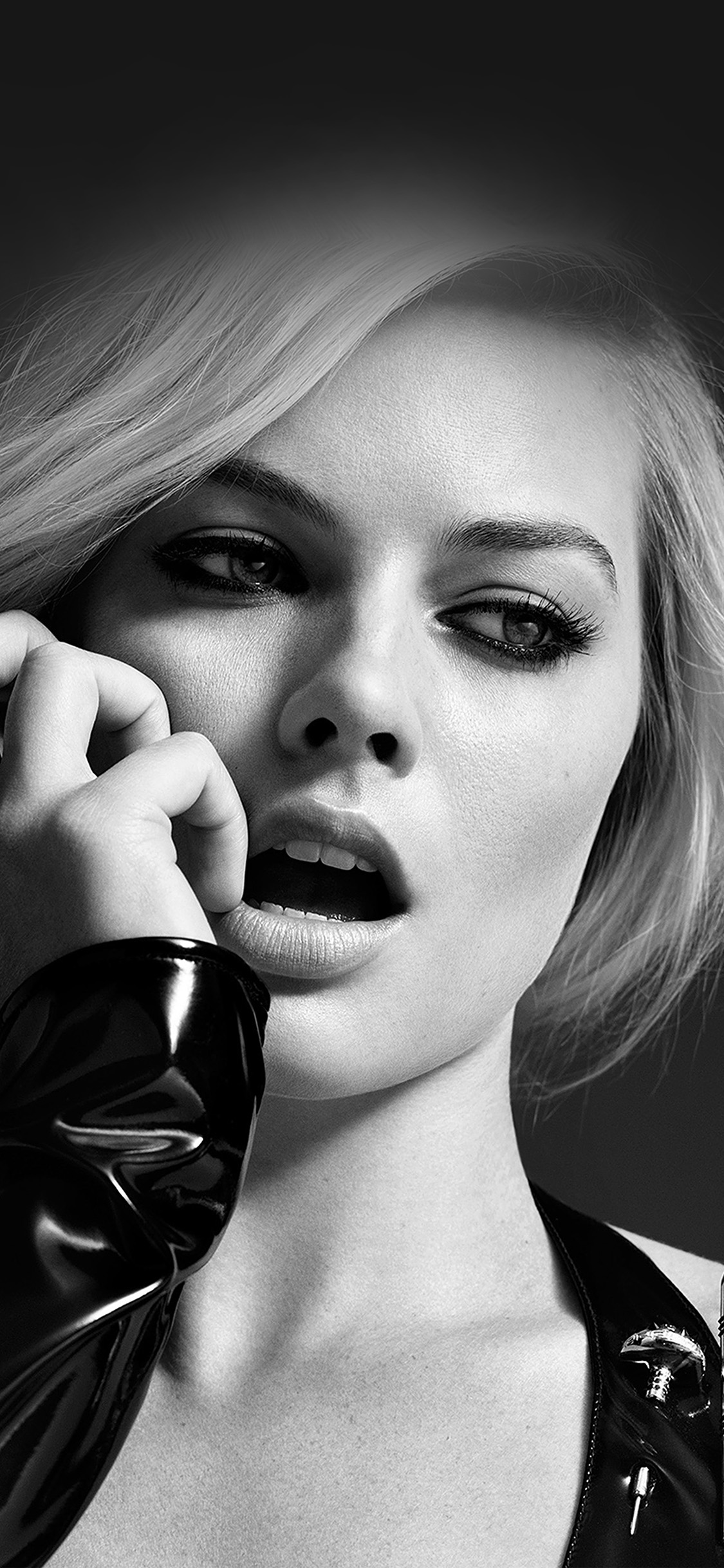 iPhonexpapers.com-Apple-iPhone-wallpaper-hp54-margot-robbie-celebrity-girl-bw