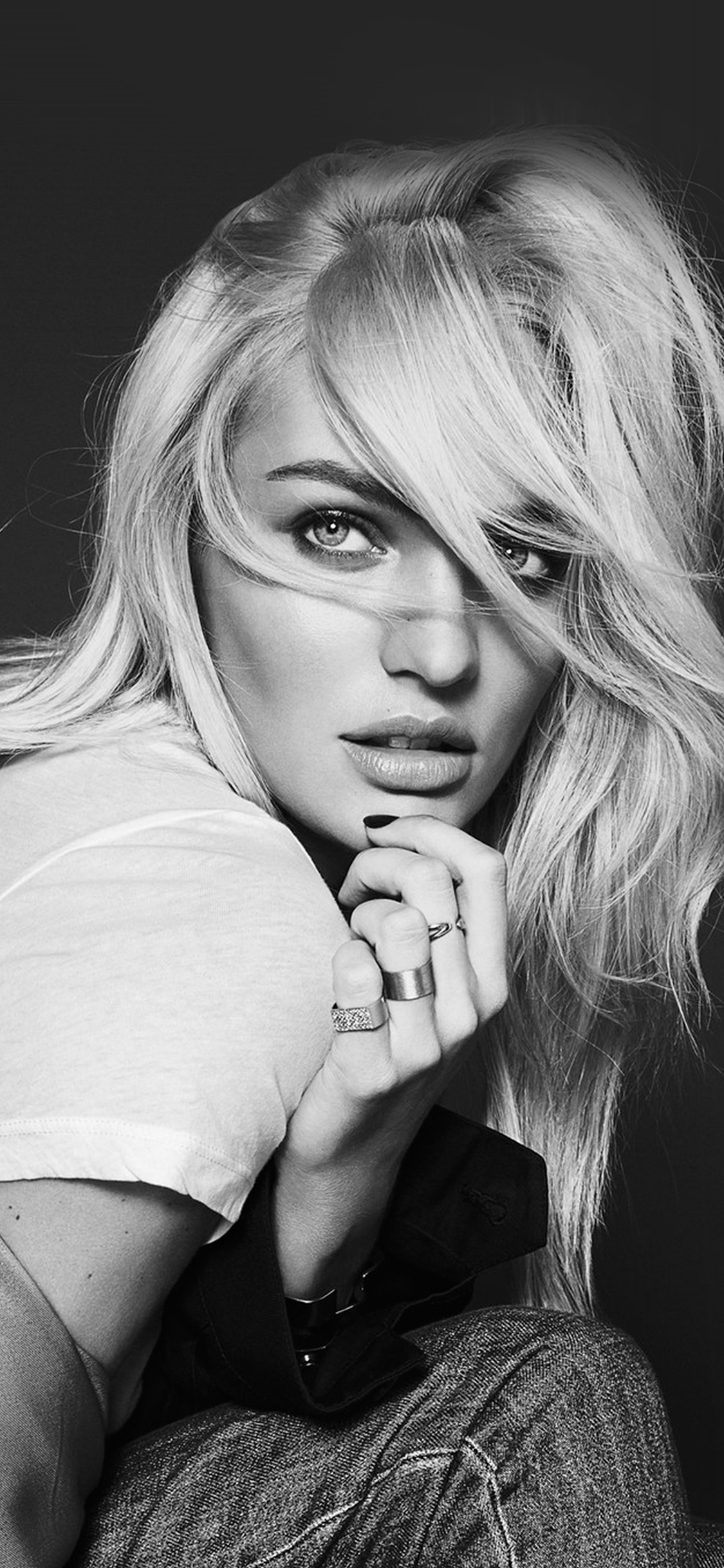 iPhonexpapers.com-Apple-iPhone-wallpaper-hp68-model-girl-candice-swanepoel-bw