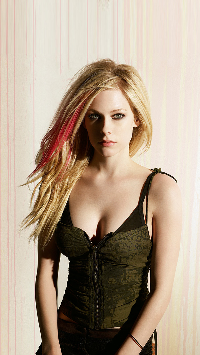 freeios8.com-iphone-4-5-6-plus-ipad-ios8-hp70-avril-lavigne-girl-celebrity-singer-music