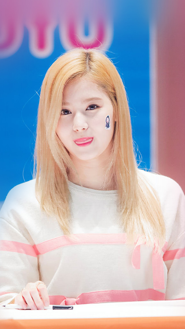 freeios8.com-iphone-4-5-6-plus-ipad-ios8-hp73-sana-twice-girl-kpop-group-cute