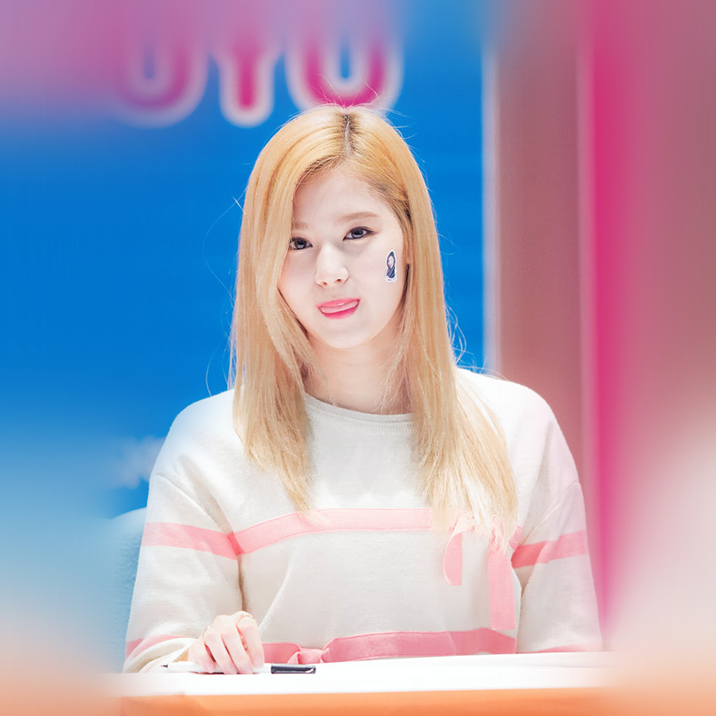 wallpaper-hp73-sana-twice-girl-kpop-group-cute-wallpaper