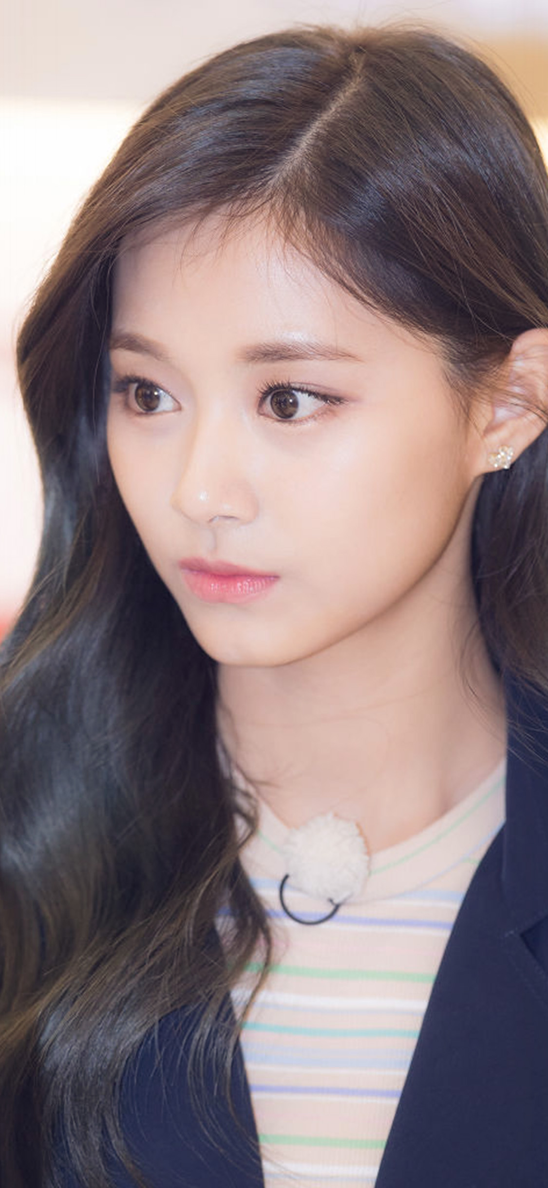 iPhonexpapers.com-Apple-iPhone-wallpaper-hp74-girl-tzuyu-kpop-twice-asian-celerity