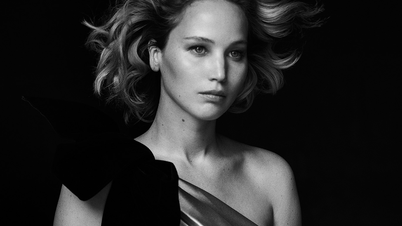desktop-wallpaper-laptop-mac-macbook-air-hp82-girl-bw-celebrity-film-actress-wallpaper