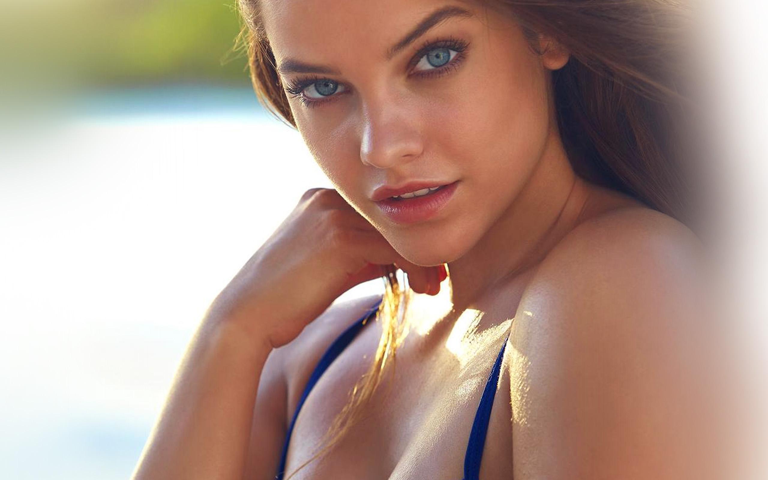 Wallpapers bikini girl