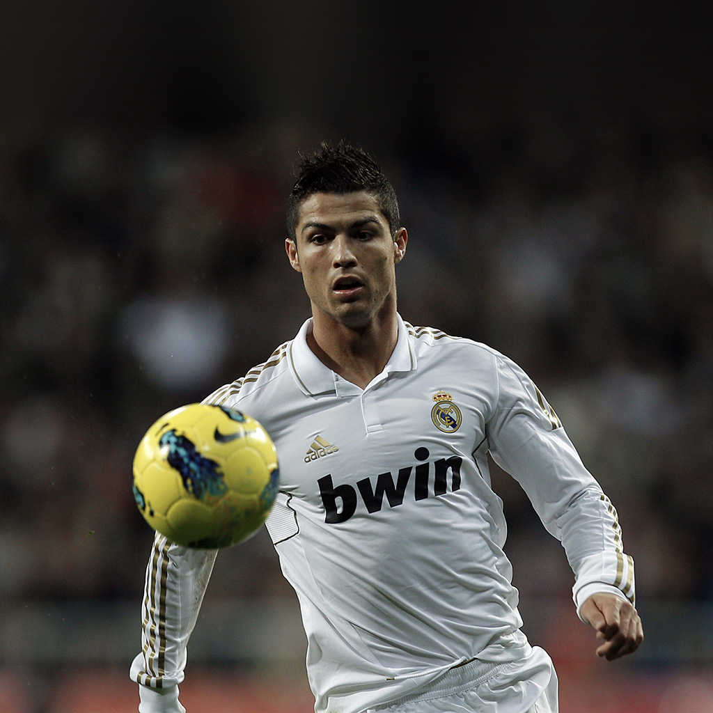 wallpaper-hq05-ronaldo-football-soccer-realmadrid-sports-wallpaper