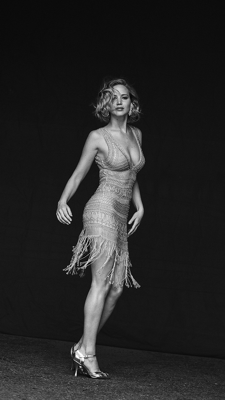 iPhone6papers.co-Apple-iPhone-6-iphone6-plus-wallpaper-hq11-girl-night-jennifer-lawrence-gorgeous-dress-bw