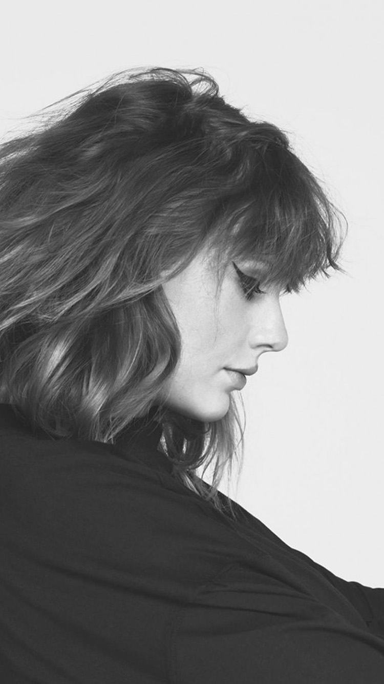 iPhonepapers.com-Apple-iPhone-wallpaper-hq14-taylor-swift-girl-singer-femail-bw-music