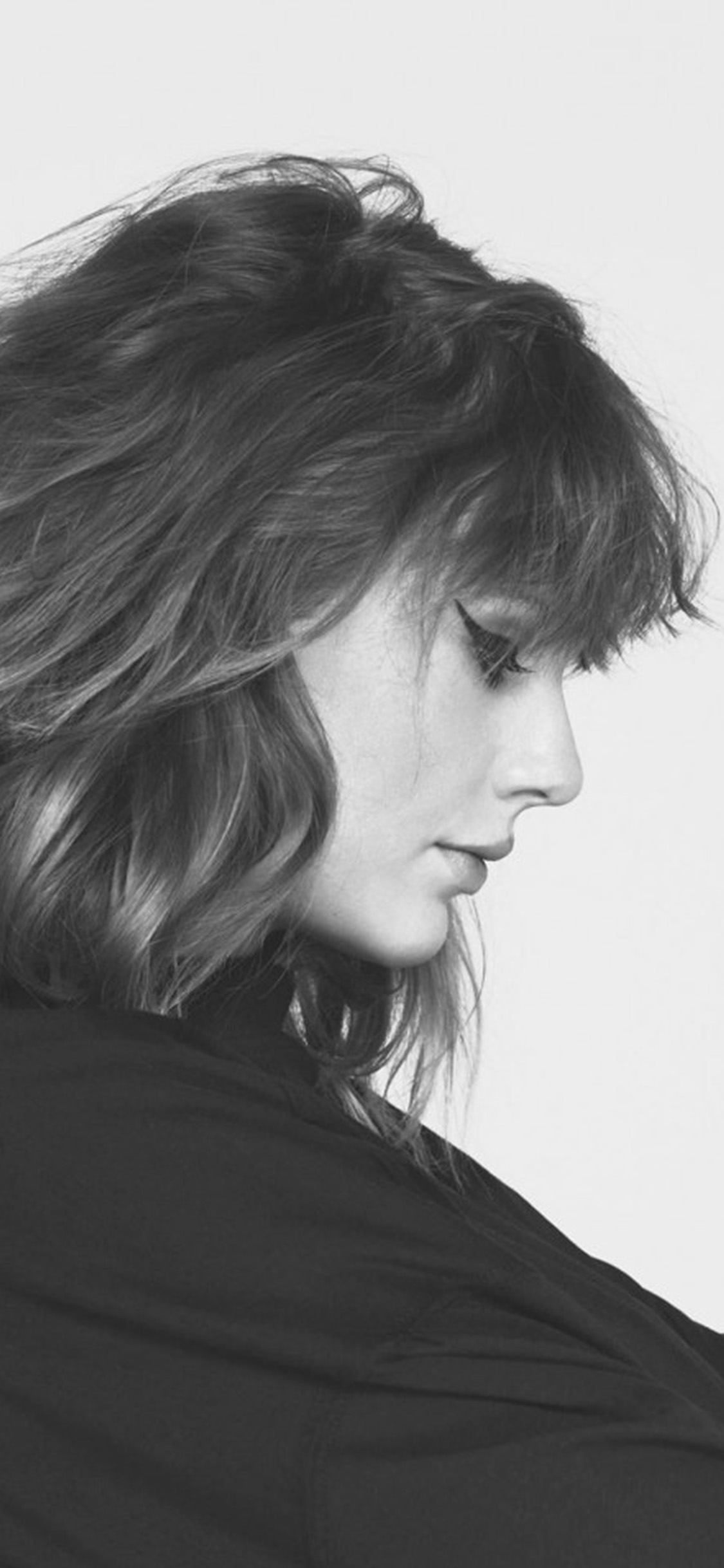 iPhonexpapers.com-Apple-iPhone-wallpaper-hq14-taylor-swift-girl-singer-femail-bw-music