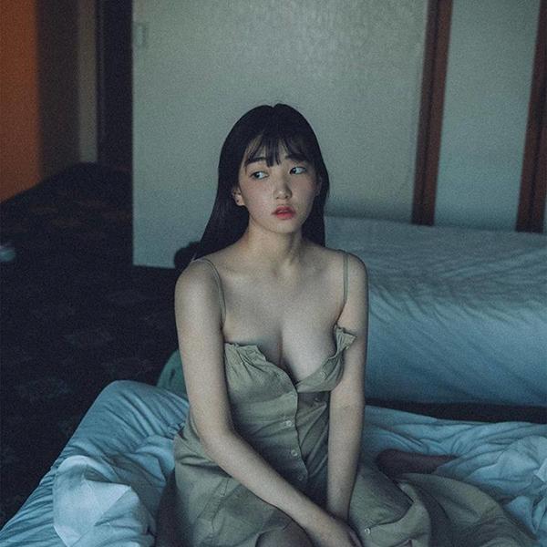 iPapers.co-Apple-iPhone-iPad-Macbook-iMac-wallpaper-hq15-girl-sexy-bed-asian-wallpaper