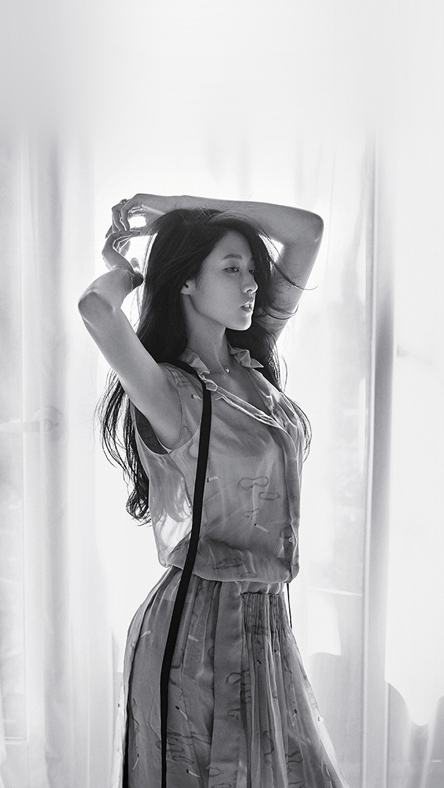 freeios8.com-iphone-4-5-6-plus-ipad-ios8-hq19-kpop-girl-sulhyun-bw-pose-photoshoot