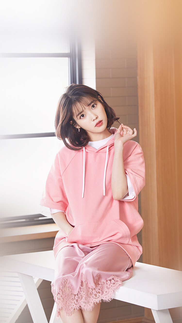 iPhonepapers.com-Apple-iPhone-wallpaper-hq31-iu-girl-pink-kpop-singer-asian-celebrity-music
