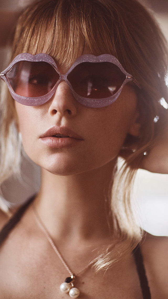 freeios8.com-iphone-4-5-6-plus-ipad-ios8-hq38-girl-sunglass-haley-bennett-summer
