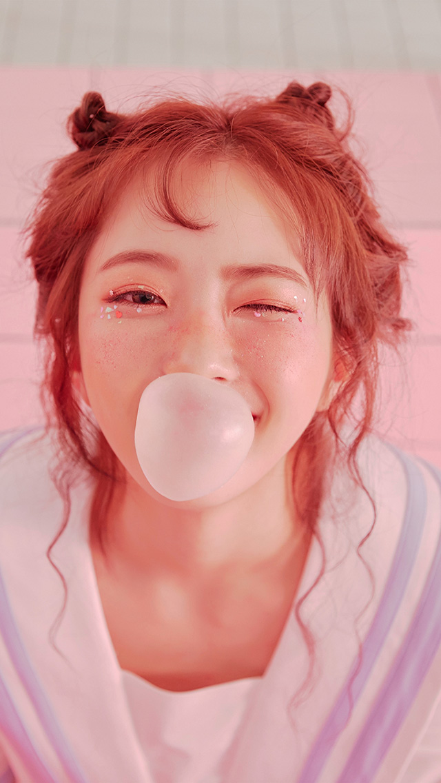 freeios8.com-iphone-4-5-6-plus-ipad-ios8-hq85-girl-kpop-bubble-pink
