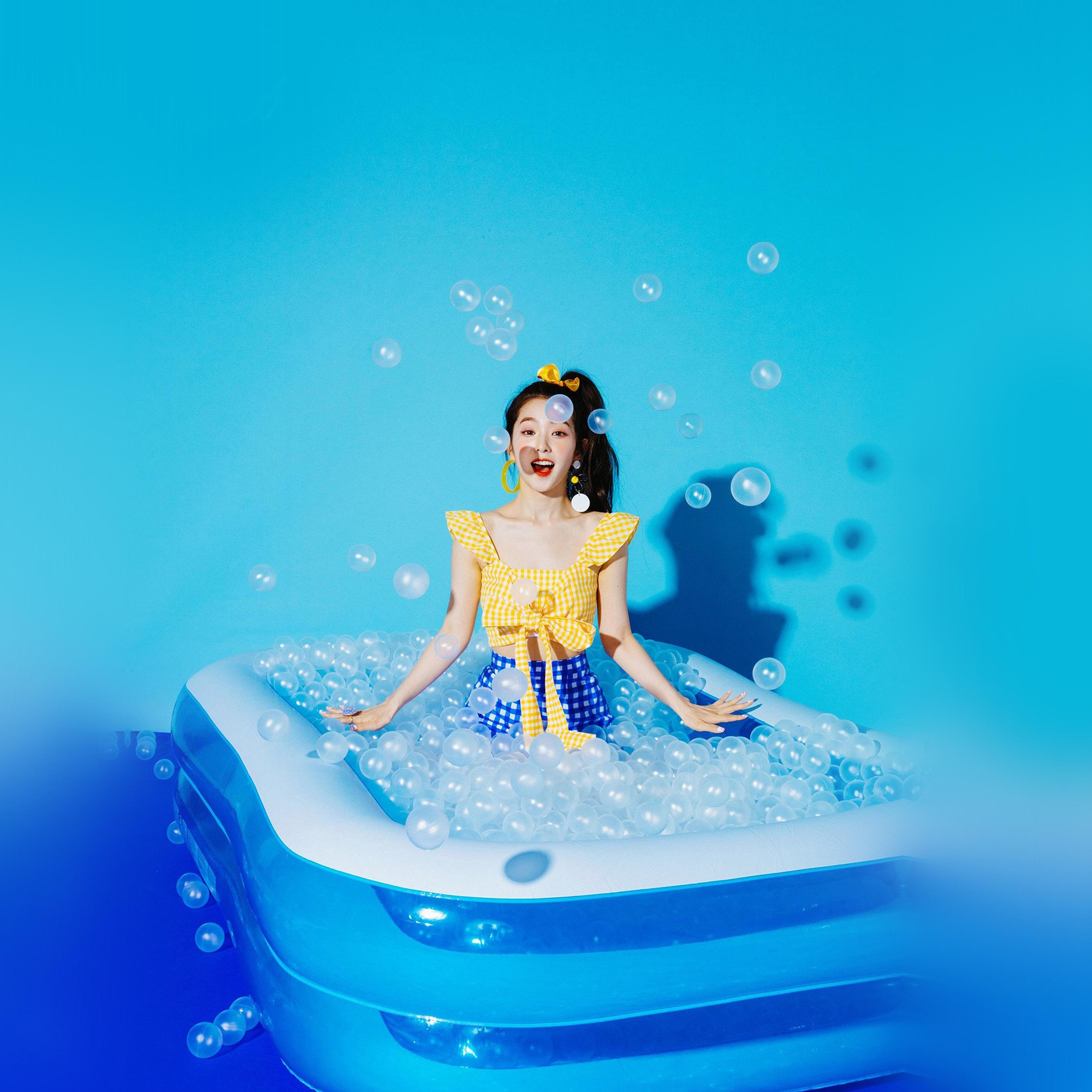 Hr03 Blue Girl Redvelvet Kpop Summer Water Wallpaper
