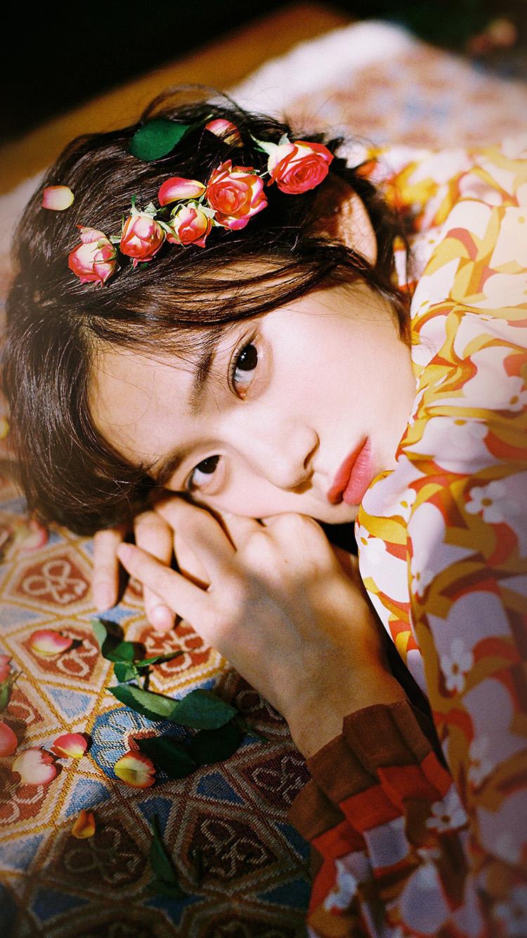 iPhonepapers.com-Apple-iPhone-wallpaper-hr04-girl-flower-lying-summer-kpop