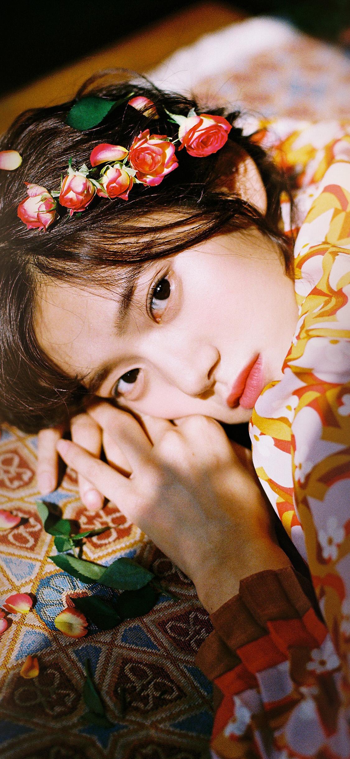 iPhonexpapers.com-Apple-iPhone-wallpaper-hr04-girl-flower-lying-summer-kpop