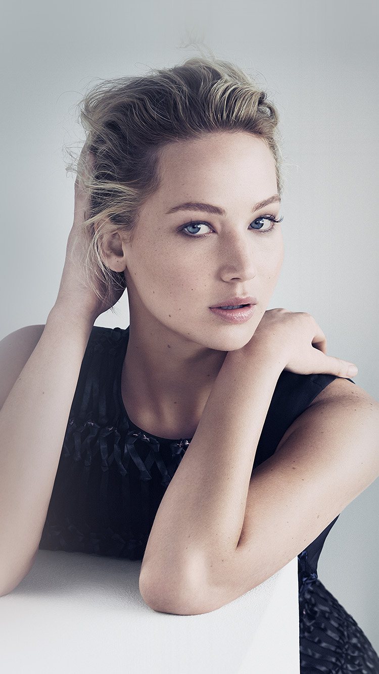 iPhone7papers.com-Apple-iPhone7-iphone7plus-wallpaper-hr07-jennifer-lawrence-girl-film-actress-dress