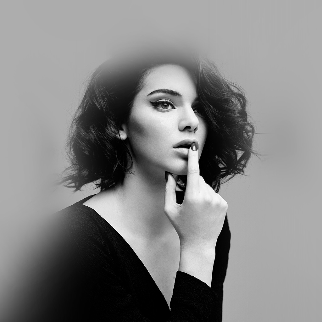 wallpaper-hr08-kendal-jenner-girl-bw-model-wallpaper