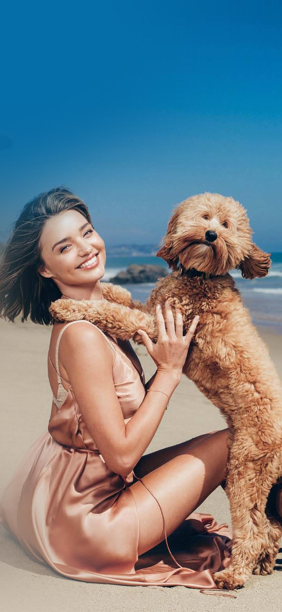 iPhonexpapers.com-Apple-iPhone-wallpaper-hr11-miranda-kerr-dog-beach-summer-model-girl
