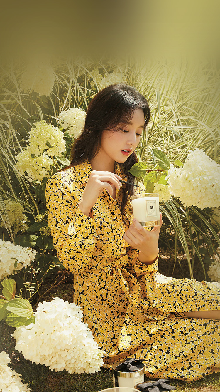 iPhone7papers.com-Apple-iPhone7-iphone7plus-wallpaper-hr16-kpop-girl-yellow-spring-flower-jiwon
