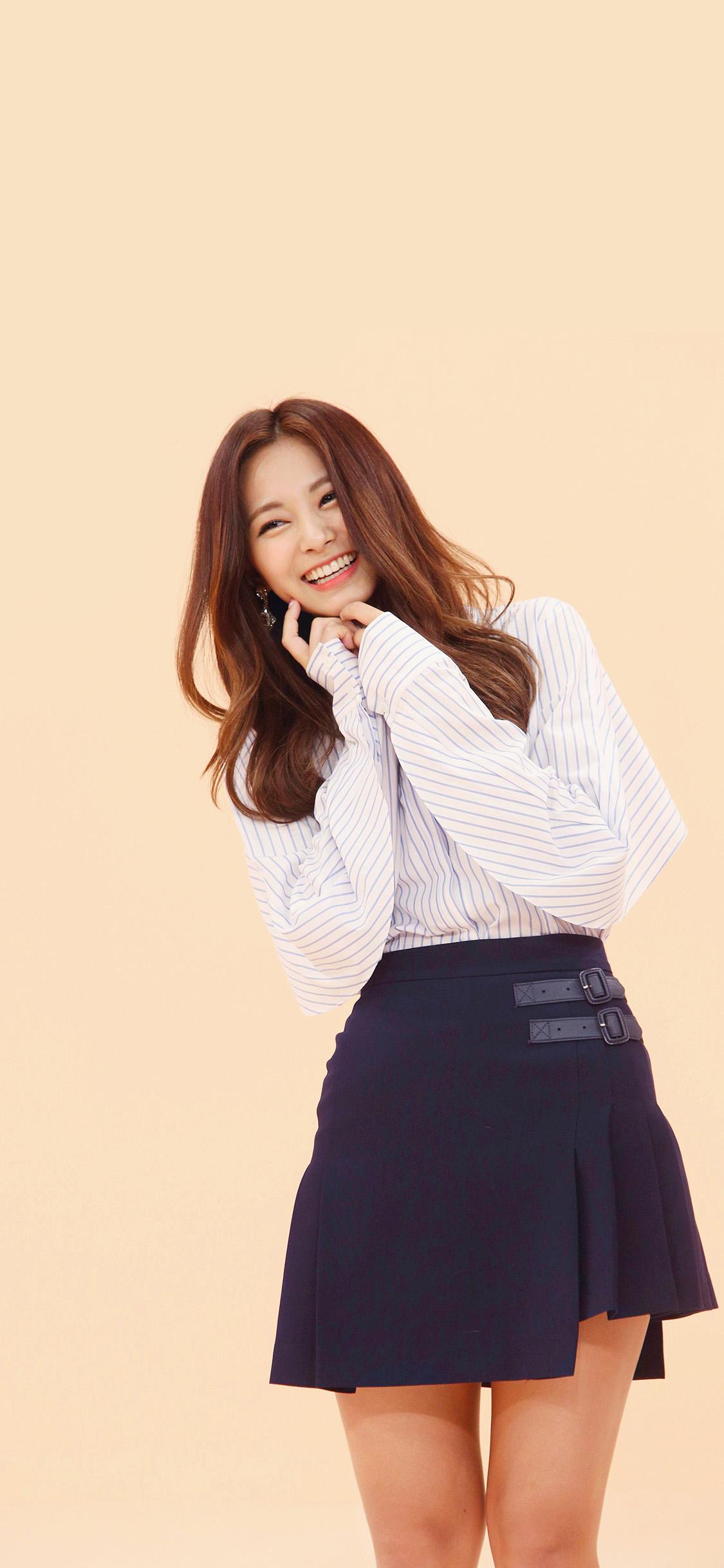 iPhonexpapers.com-Apple-iPhone-wallpaper-hr20-kpop-tzuyu-smile-girl-asian