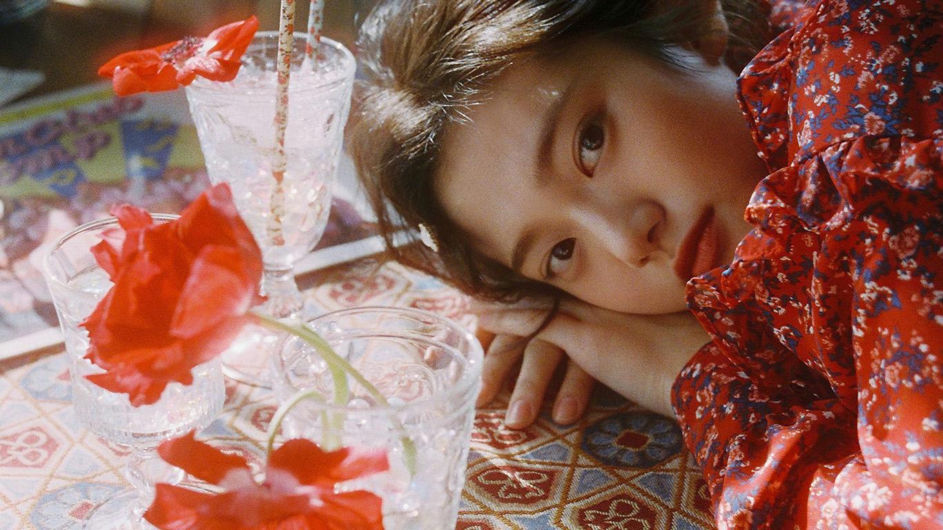 desktop-wallpaper-laptop-mac-macbook-air-hr21-flower-red-girl-asian-kpop-dress-summer-wallpaper