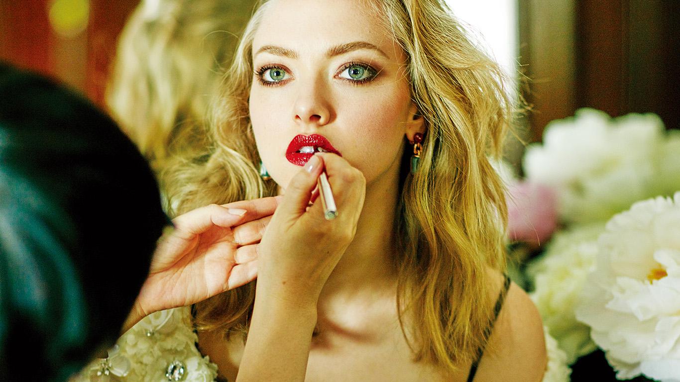 desktop-wallpaper-laptop-mac-macbook-air-hr26-amanda-seyfried-girl-actress-star-makeup-film-wallpaper