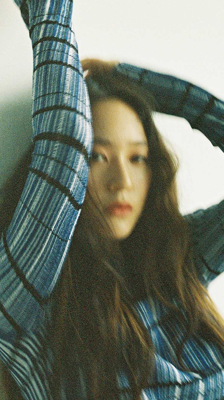 Papers.co-iPhone5-iphone6-plus-wallpaper-hr52-kpop-krystal-girl-green-face