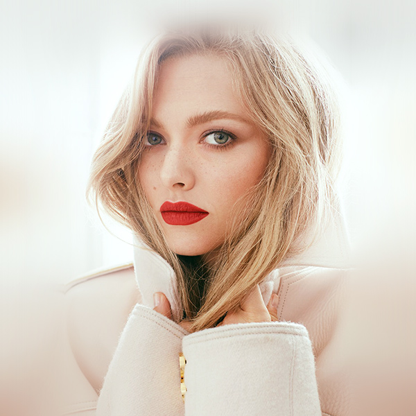 iPapers.co-Apple-iPhone-iPad-Macbook-iMac-wallpaper-hr62-amanda-seyfried-girl-face-film-red-lips-wallpaper