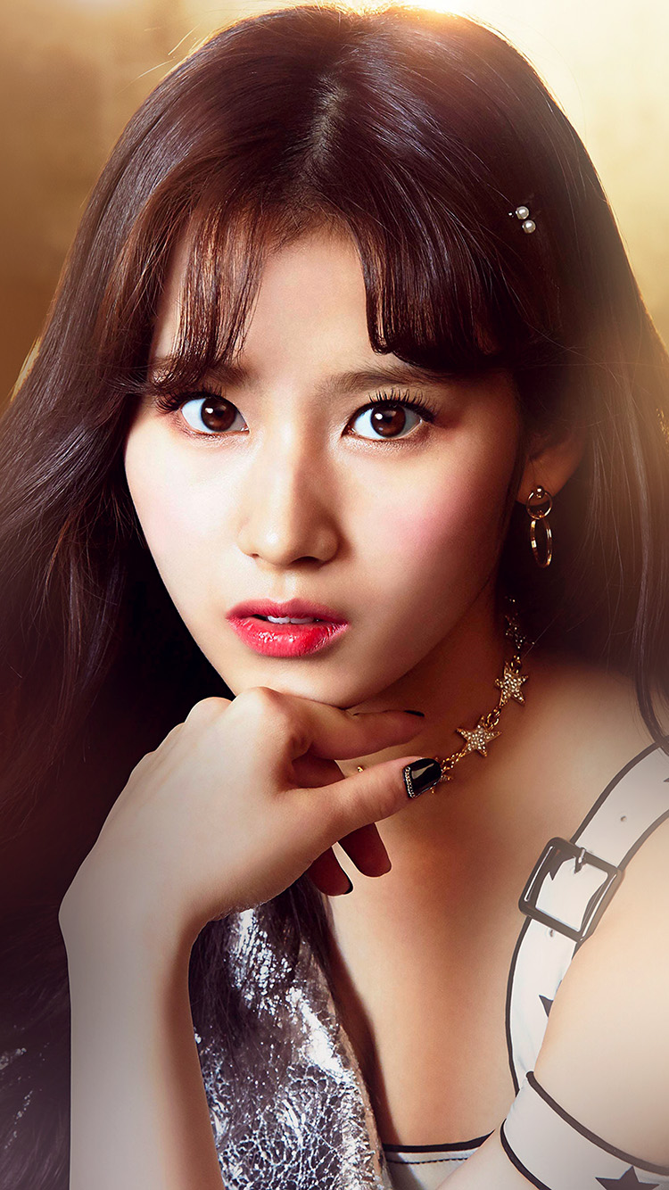 iPhone7papers.com-Apple-iPhone7-iphone7plus-wallpaper-hr71-sana-girl-face-twice-kpop