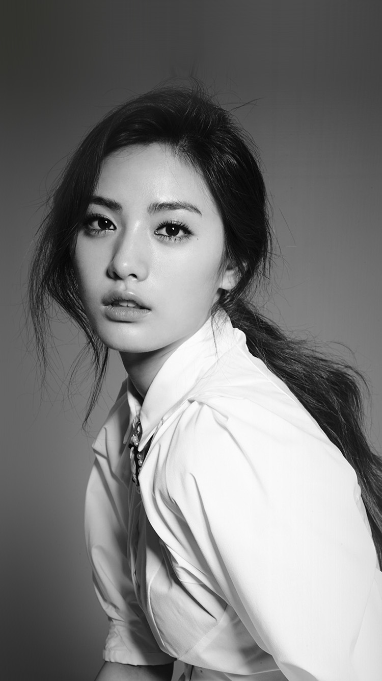 iPhone6papers.co-Apple-iPhone-6-iphone6-plus-wallpaper-hr92-girl-nana-bw-beauty-kpop