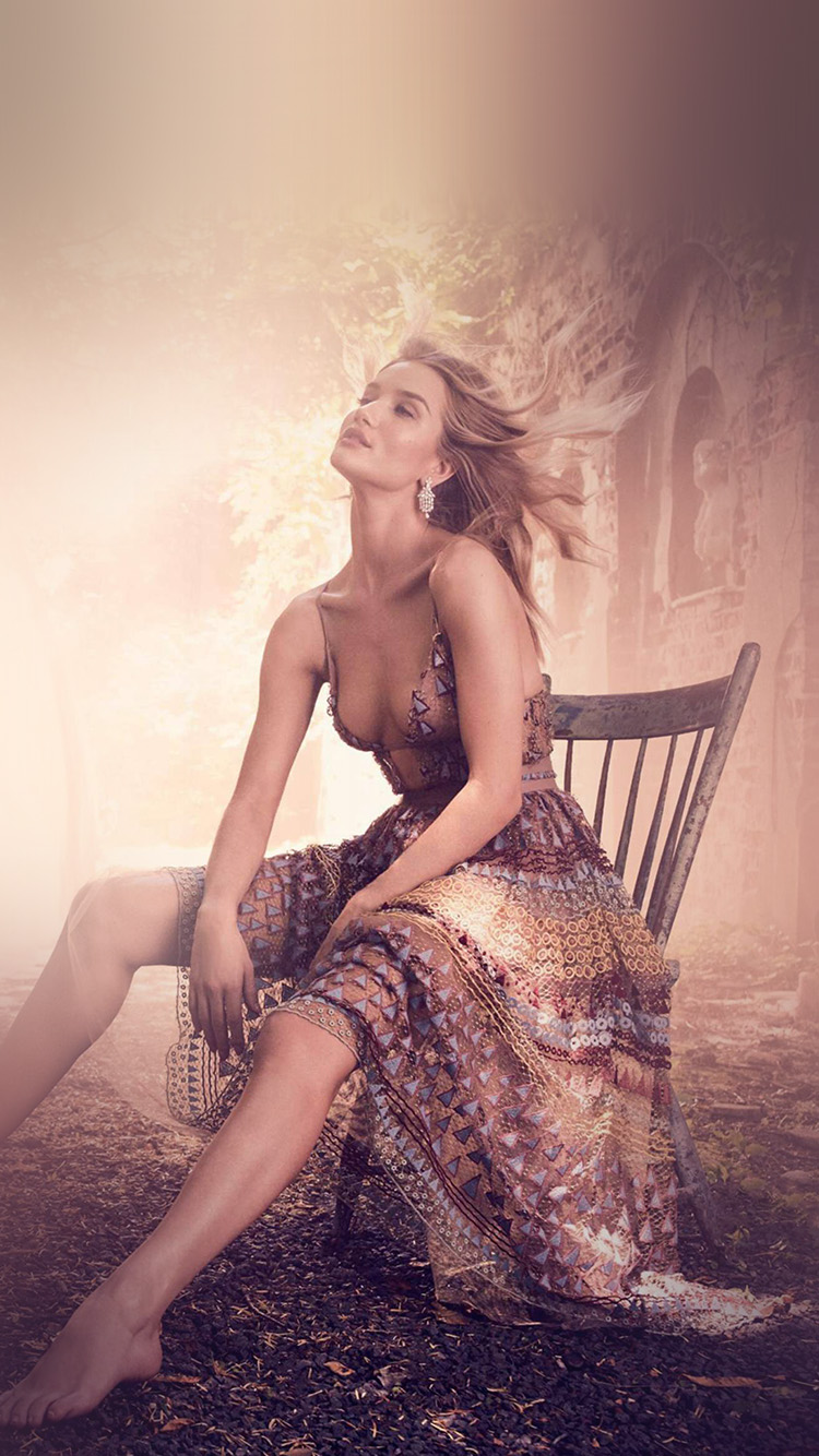 iPhonepapers.com-Apple-iPhone-wallpaper-hr95-rosie-huntington-model-girl-victoria